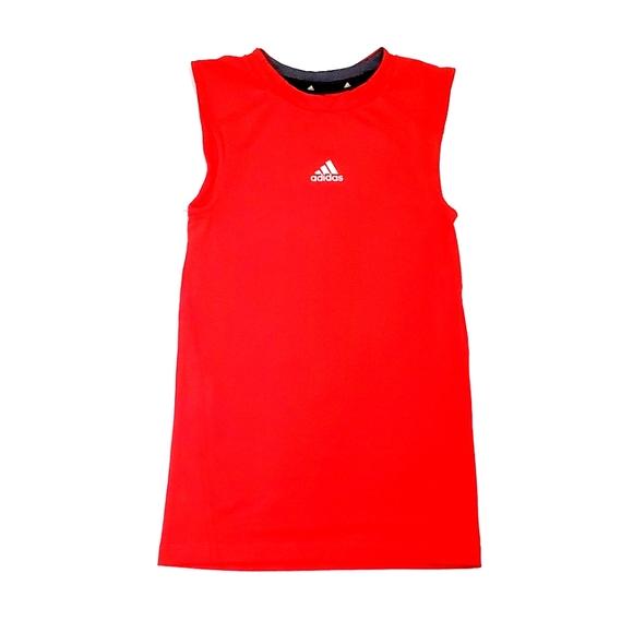 Adidas Youth Front Logo Tshirt 8 Boys.  Runs slim.